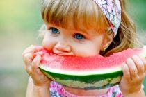 comendo-melancia
